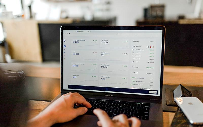 Tarifs de l'agence web Pixeldorado, création de site internet pas cher, création d'appli mobile.