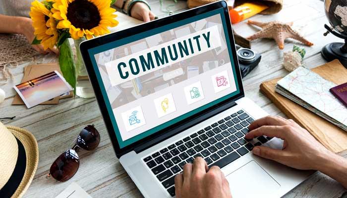 Social media manager à Valence et Montélimar Pixeldorado anime la communauté sur les réseaux sociaux