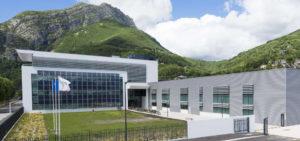 Formation en graphisme sur les logiciels de PAO chez Schneider Electric à Grenoble par l'agence Pixeldorado.