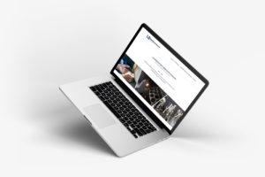 Site internet LEOO présenté sur un ordinateur